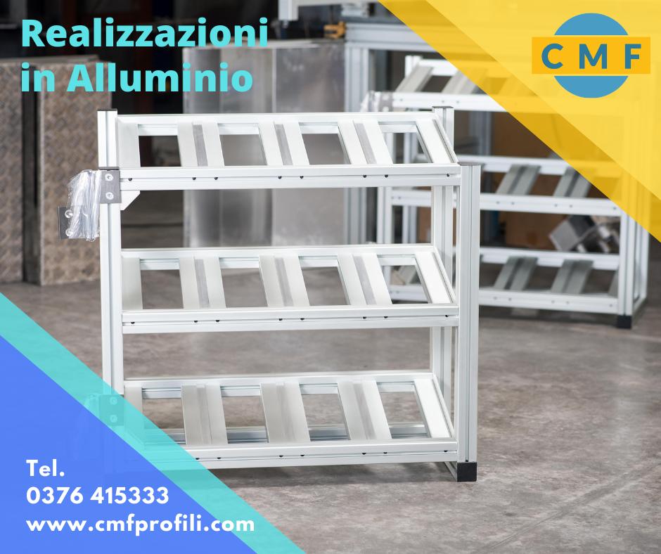 """Un servizio a 360° che CMF PROFILI, vantandosi della sua pluriennale esperienza, propone sull' alluminio: """"dalla fase progettuale fino alla realizzazione del prodotto finito"""". L'alluminio è un materiale duttile, leggero e versatile Per chi ha la passione di lavorare l'alluminio come la CMF PROFILI, può ricavarne una grande soddisfazione! CMF PROFILI ha creato al proprio interno un vero e proprio centro di servizio della lavorazione dell' alluminio: il profilo di alluminio viene tagliato a misura, lavorato, sagomato e alla fine assemblato per ottenere così il prodotto finito che può essere un prodotto industriale, commerciale, artigianale. CMF Profili esegue le lavorazioni sull'alluminio commissionate e richieste direttamente dal cliente, con il giusto ed adeguato consiglio/supporto dettato dalla conoscenza ed esperienza storicamente acquisita . La lavorazione dell'alluminio può avvenire sulla base di un disegno tecnico proposto dal cliente o in mancanza su un progetto diretto di CMF Profili. Il profilo di alluminio, grazie alle lavorazioni, può diventare anche un sostegno principale nelle costruzioni leggere . Il profilo di alluminio si distingue per la sua robustezza pur rimanendo molto leggero e duraturo nel tempo. Uno dei punti di forza di CMF Profili, sta nel guidare il cliente dalla fase iniziale di progetto e campionatura fino al termine della realizzazione del prodotto, seguendo tutti i vari passaggi delle lavorazioni sull'alluminio. Il prodotto, su richiesta del cliente, può avere diverse finiture, ad esempio …essere verniciato, ottimizzando così il lavoro per il cliente che trova in CMF Profili un partner e fornitore unico. L'alluminio, materiale duttile utilizzabile in diversi campi, può essere associato ad altri materiali complementari, come il vetro, bilaminato e acciaio per ottenere dei veri e propri pezzi/modelli di arredamento. Produzione CMF Profili, sono anche tavoli per uffici o arredo per ambienti abitativi. CMF profili lavora eseguendo anche quan"""